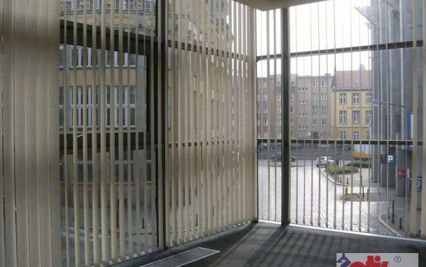 Biurowiec do wynajęcia <span>Wrocław, Stare Miasto, ul. Ofiar Oświęcimskich</span>
