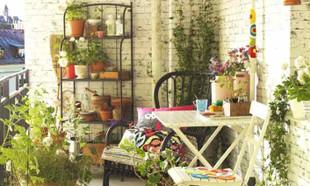 Balkon na wiosnę – proste pomysły na przyjazną przestrzeń