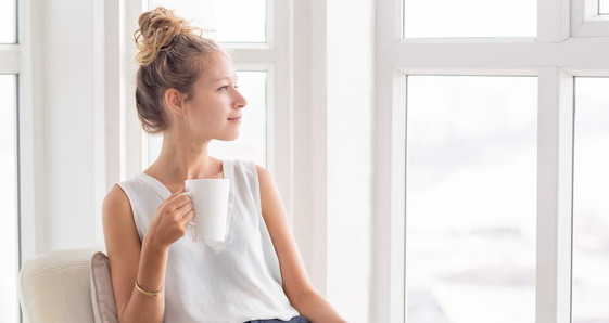 Wyciszenie mieszkania – 13 praktycznych pomysłów na wyciszanie pomieszczeń